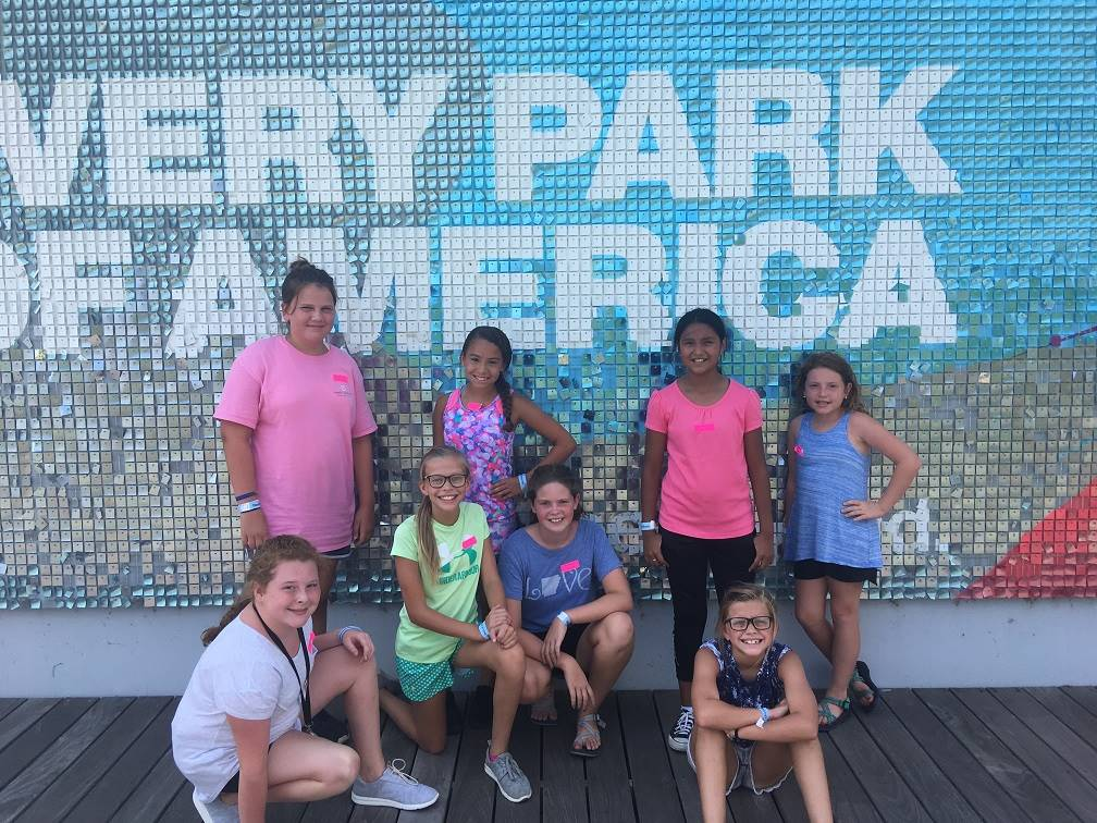 A group of students visit Discovery Park.